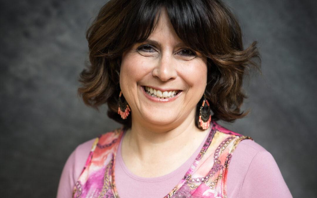 Mrs.Julie Farkas